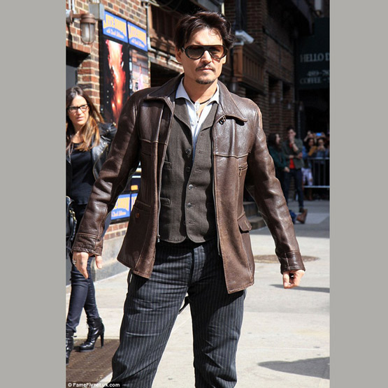 Johnny Depp en veste cuir