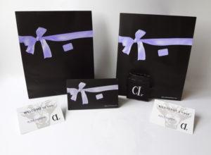Un packaging personnalisé qui anime tous vos sens Une pochette luxe à votre nom pour les Art-T