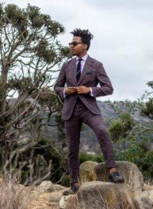 Comment associer les couleurs des vêtements homme : des conseils pour un look sans faute de goût avec une peau foncée avec des couleurs fortes et vives | 11/12