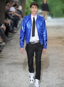 Comment associer les couleurs des vêtements homme des conseils pour un look sans faute de goût en ayant la peau clair et mixant des couleurs foncées et avec nuances | 07/12