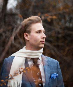 Accessoires Une écharpe blanche qui étoffe le buste