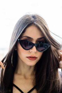 Lunettes de soleil et de vue : Conseils fondamentaux : comment choisir ses lunettes pour homme et femme - Morphologie du visage triangle