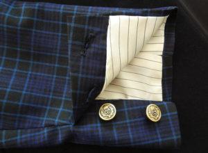 Blazer homme personnalisable_Manche à deux boutons qui s'ouvrent_Doublure au dessin de l'aigle par Charles Landston la créatrice et styliste