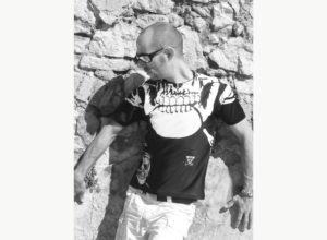 T-shirt-Art-T-tête de mort-homme-Cassis en noir et blanc-Création unique de Charles Landston-Made-in-France